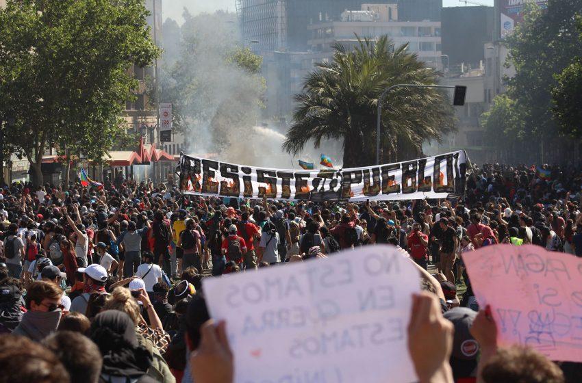 Diciembre 2019: Masiva consulta Municipal y la épica lucha por el control de Plaza Baquedano
