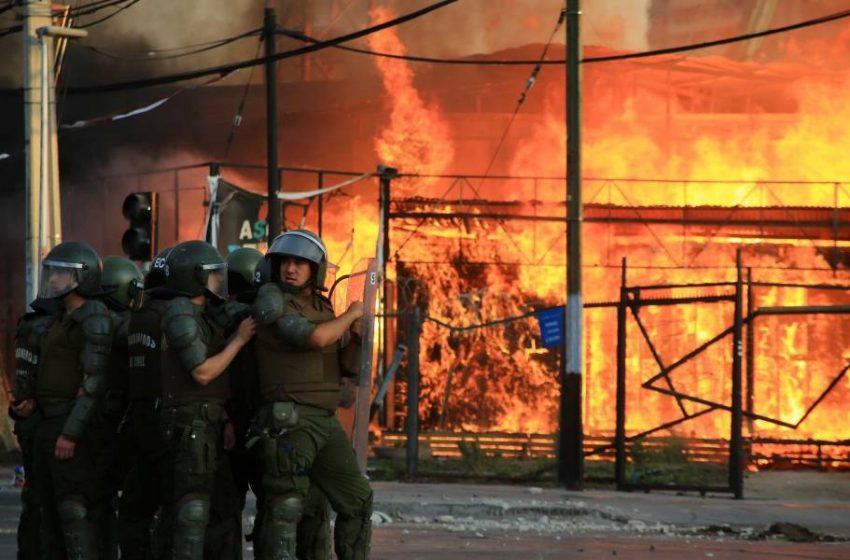 Asesinato de hincha de Colo Colo desata la noche más violenta de 2020.