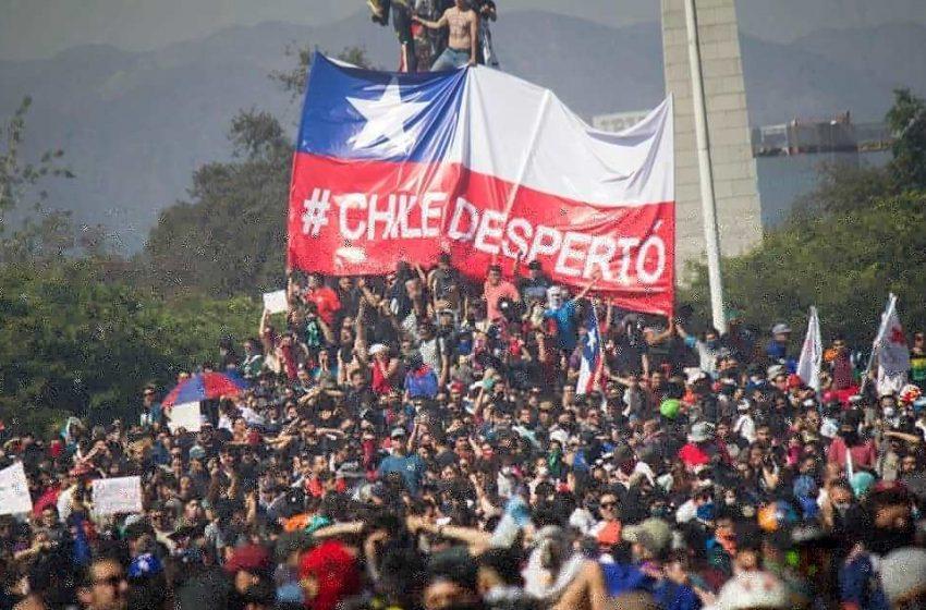Octubre 2019: De la mano de los estudiantes, ¡Chile Despertó!
