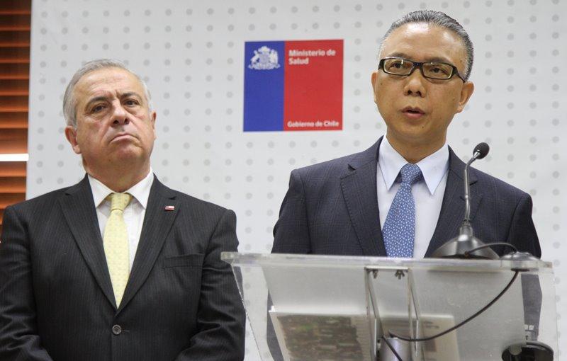 Versión de Mañalich es desmentida por embajador chino Xu Bu