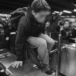 Evasiones masiva en Metro