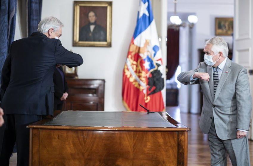 """Ministro Paris y polémica de Piñera en la Vinoteca: """"La autoridad máxima tiene que dar el ejemplo"""""""