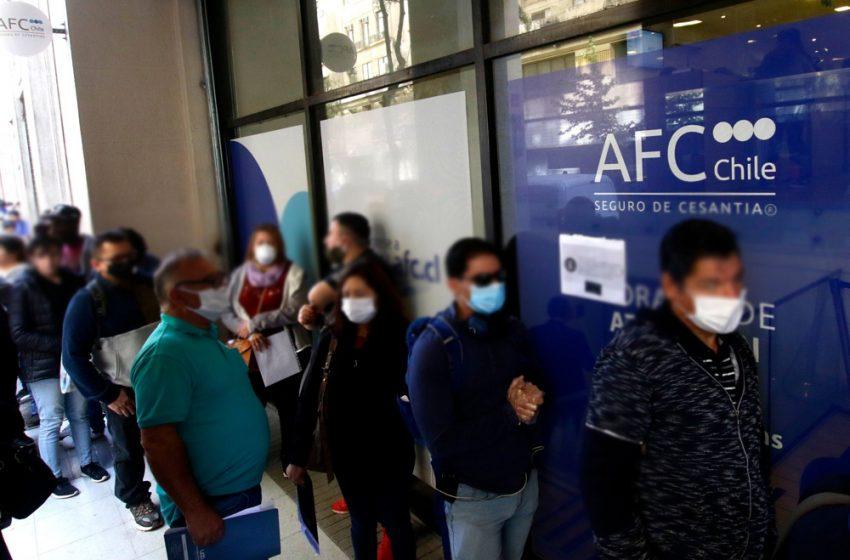 Desempleo por las nubes: 22,8% de cesantía si se suman personas con contratos suspendidos