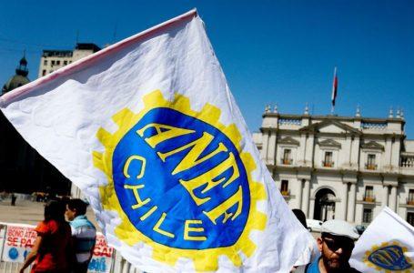 """""""Arrastrando el poncho"""", la nueva política de La Moneda"""